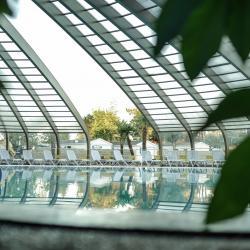 piscine couverte camping 5 étoiles vendée